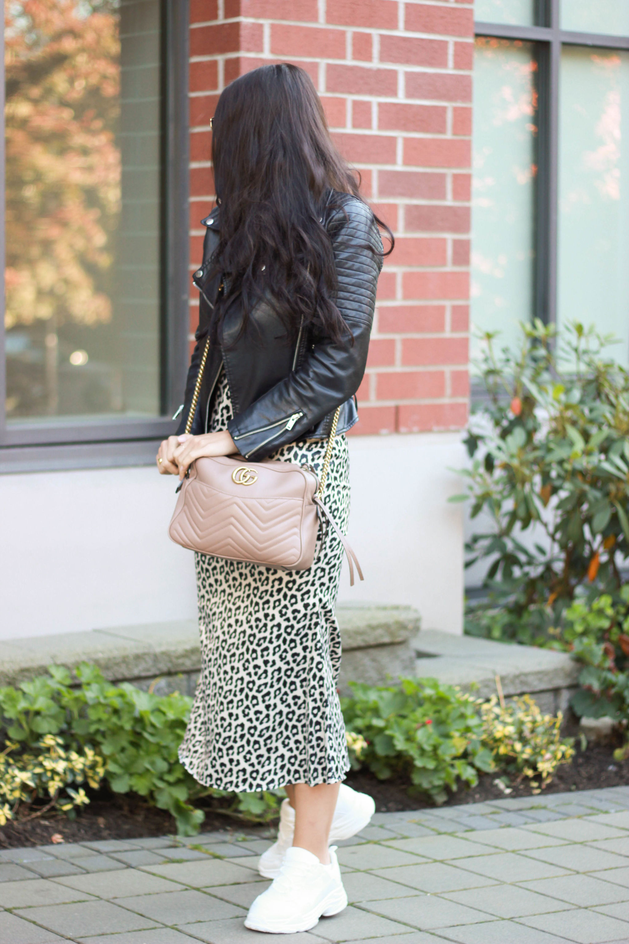 319396f6b4c83 How to Style Leopard Print and Dad Sneakers this Fall - KRYSTIN TYSIRE